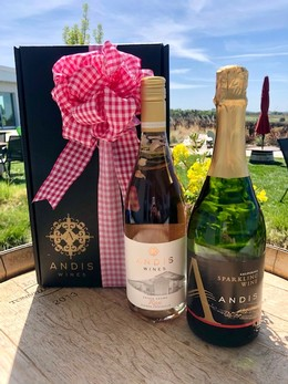 Gift Box -2 bottle: Rose + Bubbles