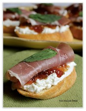 Crostini with Goat Cheese, Prosciutto & Fig Jam